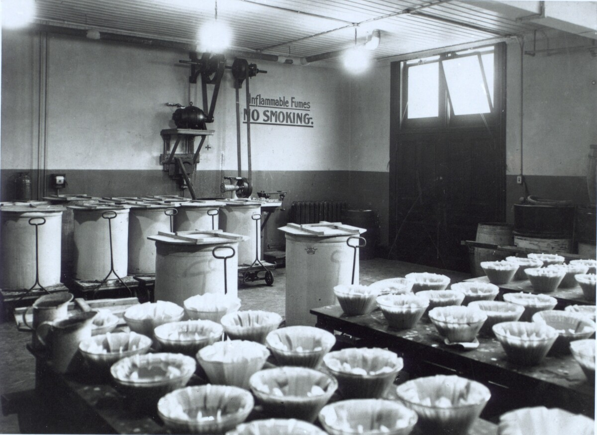 Photograph of lab equipment ca. 1923<br />