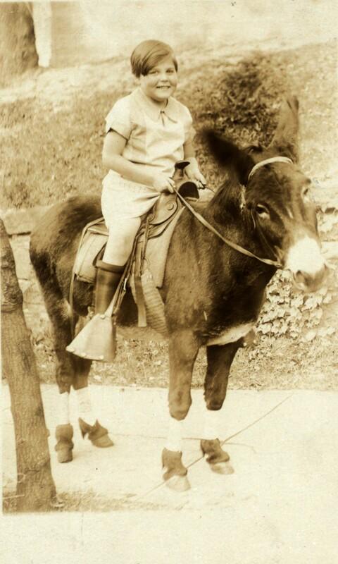 Photograph of Janet Turnbull ca. 1923